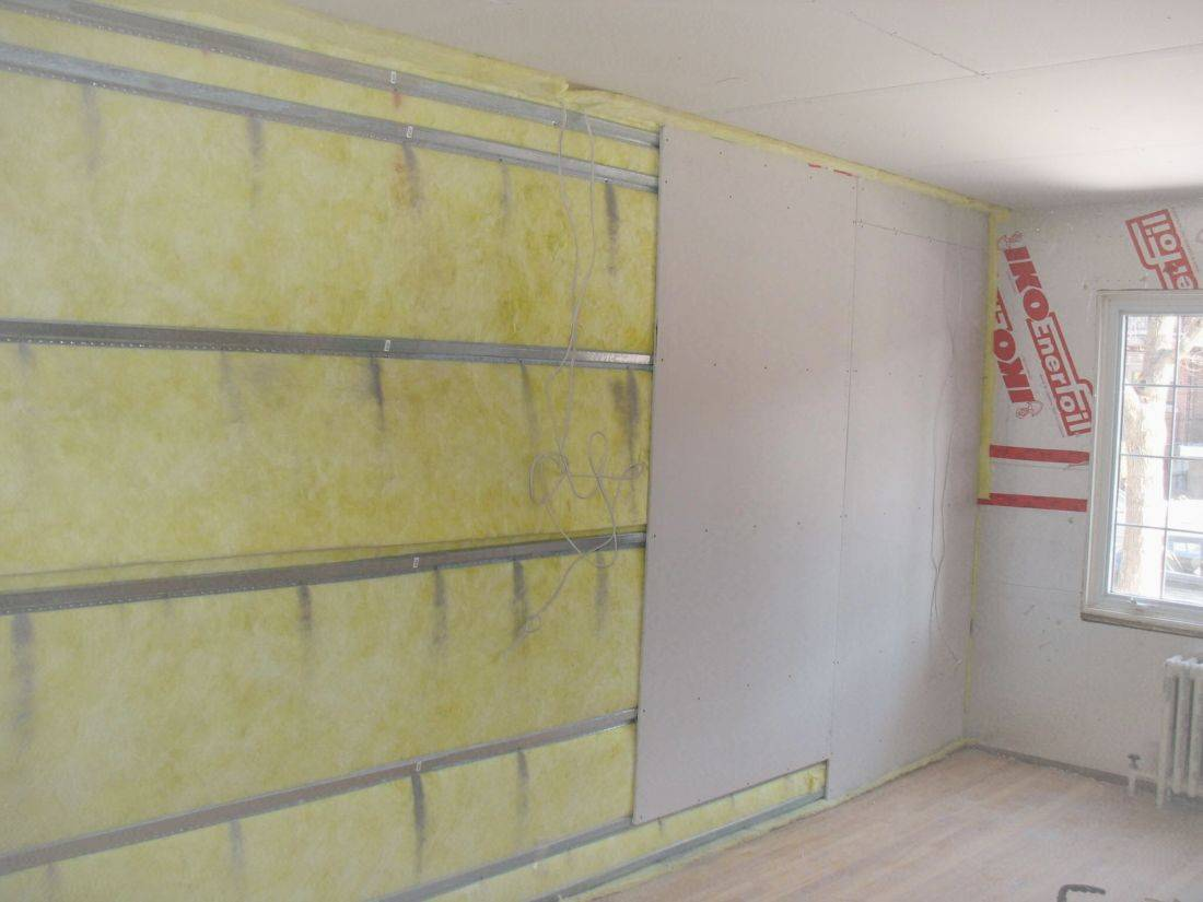 Претензия промерзает стена в квартире